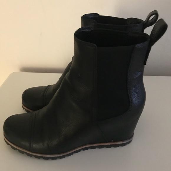822321ad0206 Ugg pax wedge waterproof boots. M 5ae3da6b50687c00986ed458